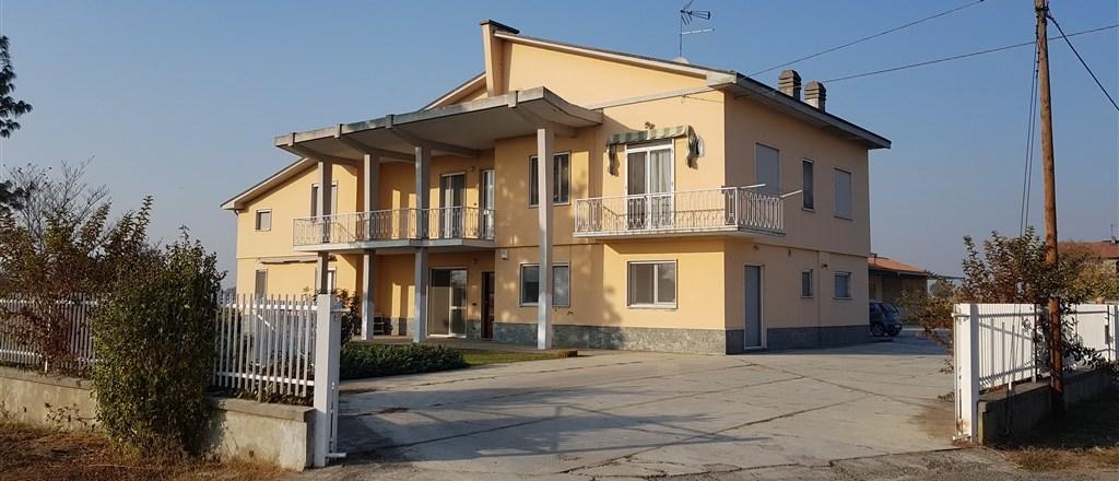BORGO SAN MARTINO (AL) Casa indipendente bifamiliare, libera su 4 lati