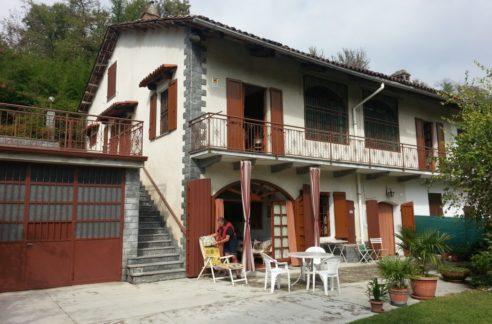 MONCESTINO (AL) Ad. GABIANO Vendesi casa indipendente con terreno