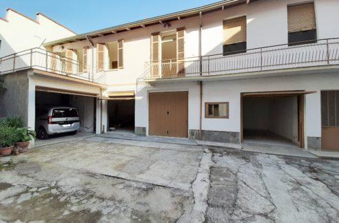 CASALE MONFERRATO (VIA DEI GRANI) Vendesi mq. 156 con terrazzo