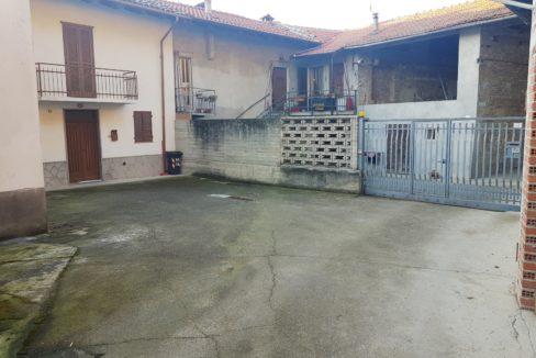MOMBELLO MONFERRATO (AL) Vendesi Casa indipendente libera su tre lati