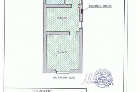 Casale Monferrato (AL) - P.ZZA POSTA Vendesi negozio mq 105