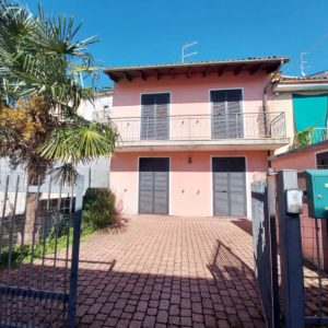 SAN GIORGIO (CENTRO) Vendesi casa indipendente ristrutturata