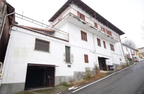 CONIOLO (CENTRO) Vendiamo panoramica casa indipendente