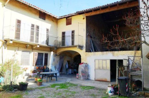 PONTESTURA - Vendesi casa indipendente bilivello di mq. 140
