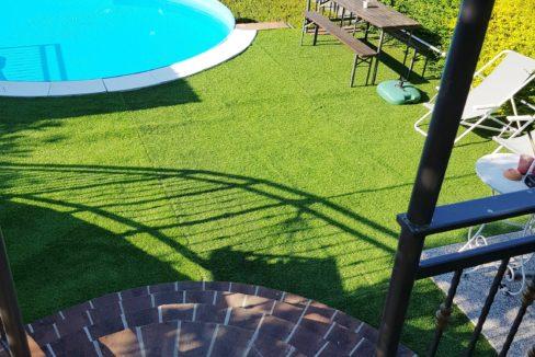 CONIOLO MONFERRATO Vendesi casa indipendente con piscina