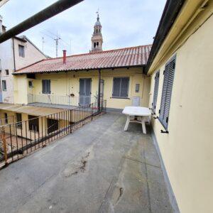 CASALE MONFERRATO (VIA SAFFI) vendiamo appartamento di 70 mq.