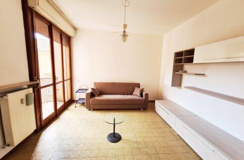 CASALE MONFERRATO (Via Luparia) Affittasi luminoso appartamento arredato